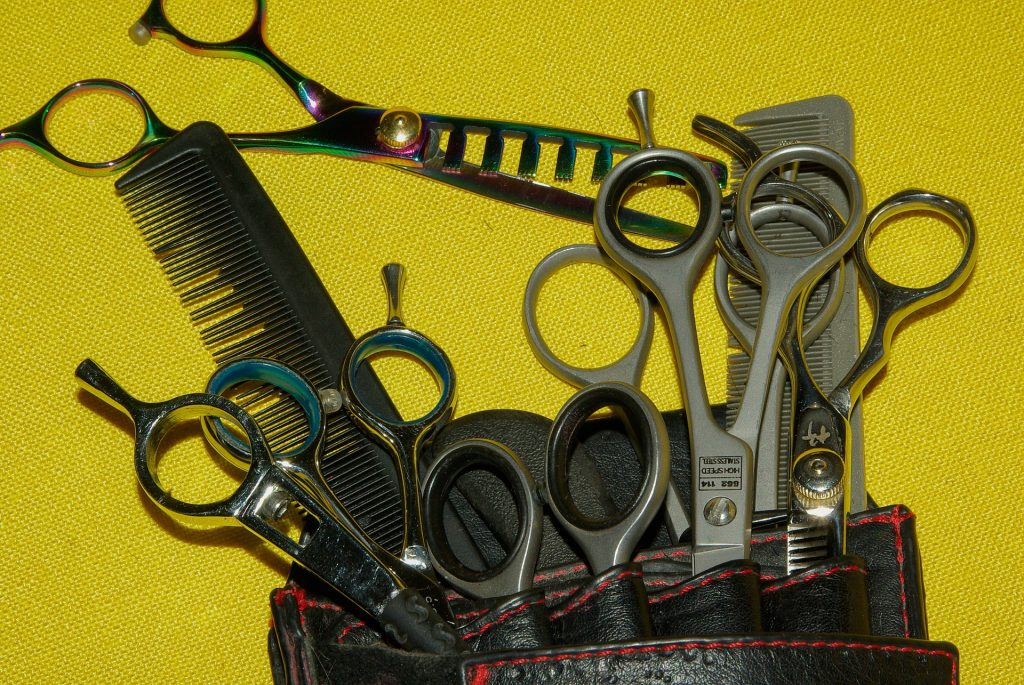 Friseursalons in Barcelona...Lass dir deine Haare schneiden!