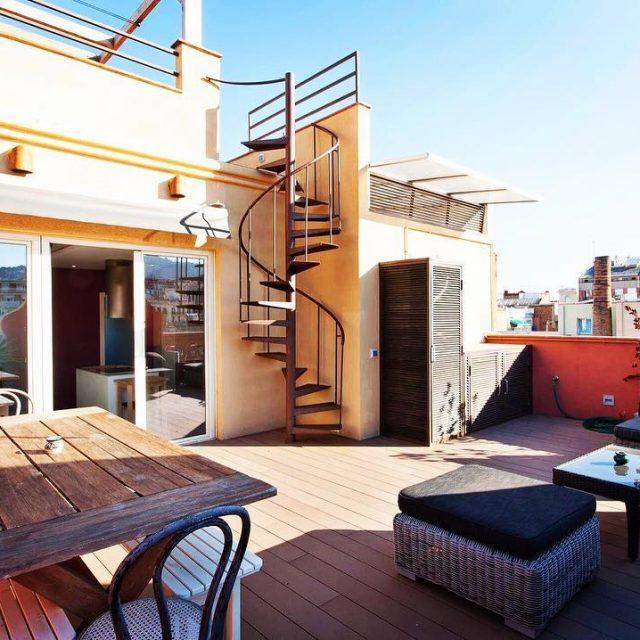 Mira esta fabulosa terraza en un tico ubicado en elhellip