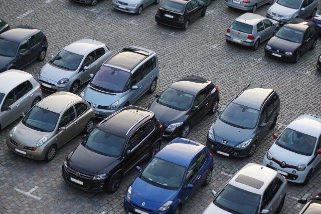 Parkplatz in den Randgebieten Barcelonas