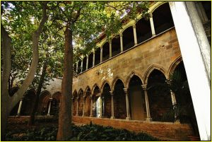 der Innenhof des Klosters Santa Anna