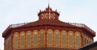 Der rote Turm der Sant Antoni Markts