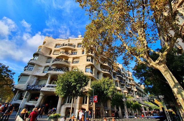 Straßenecke des La Pedrera in Barcelona