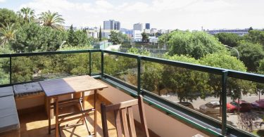 Aussicht auf Barcelona vom Balcon einer Wohnung
