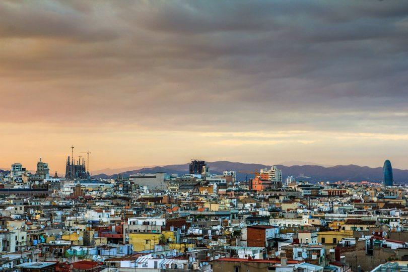 Sicht auf Barcelona bei Sonnenuntergang
